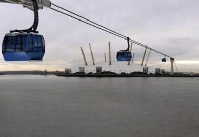 Un'immagine del progetto di funivia sul Tamigi che sarà pronta per le Olimpiadi del 2012