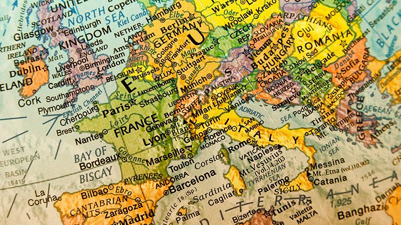 I ragazzi e Internet: Italia vs Europa