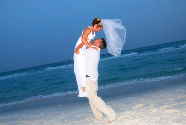 Sposarsi e non svenarsi: il matrimonio, adesso, è low-cost