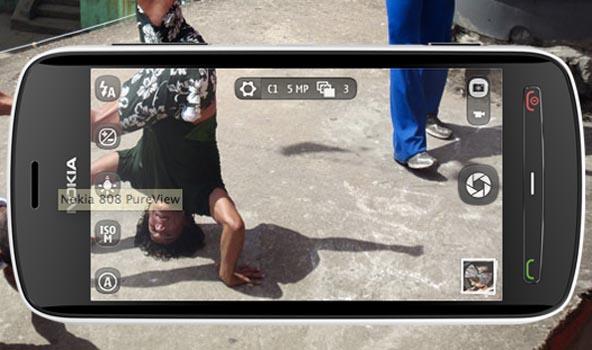 Alla fiera degli smartphone le novità 2012