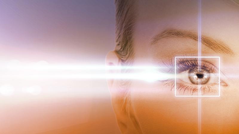 1. Gli occhiali - Operazioni chirurgiche e lenti a contatto stanno già relegando gli occhiali da vista in una nicchia, ma gli smart glass potrebbero portare alla loro definitiva scomparsa. Almeno nella forma con cui li conosciamo ora.