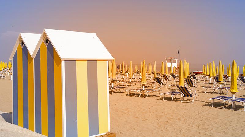 4. Emilia Romagna (5 bandiere verdi) - Da Bellaria Igea Marina a Cattolica, da Cervia a Rimini, la regione offre spiagge finissime e fondale del mare basso. Molte strutture hanno il servizio di baby sitter con personale esperto.