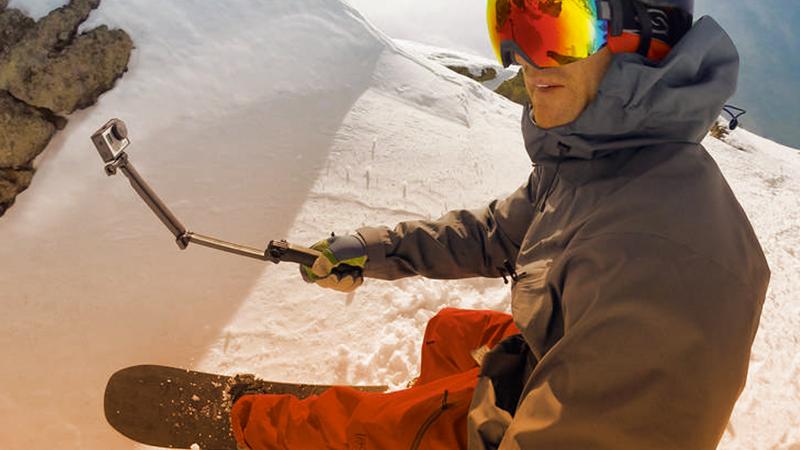 5. OUTDOOR. GoPro è una videocamera pensata per le riprese dell'attività sportiva: grazie all'alta qualità e ai supporti disponibili, consente di documentare e condividere le esperienze più interessanti.