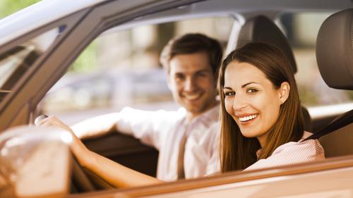 Automobilisti assicuràti e felici