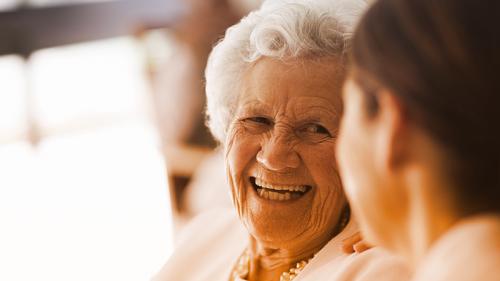 Anziani smart: tutti i consigli per una terza età dinamica