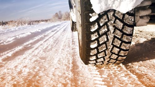 Arriva l'inverno: come guidare in maniera sicura
