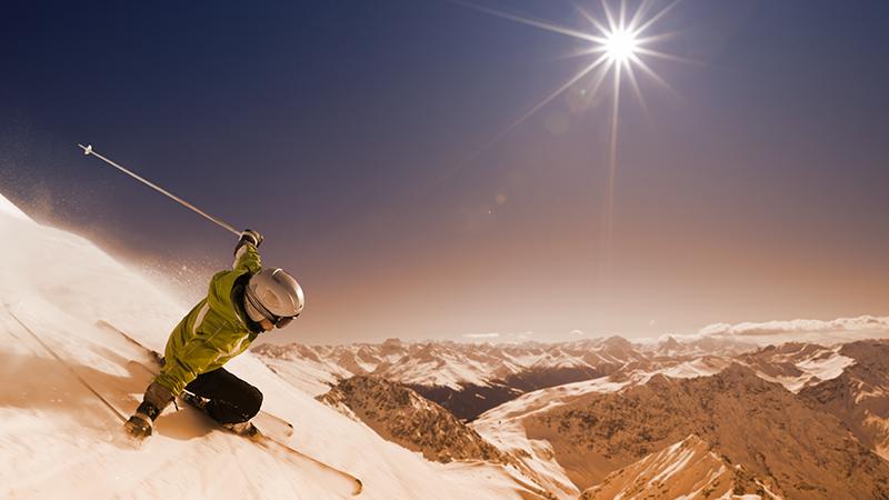 4. Sulle piste da scii moderare la velocità nei tratti affollati e fare attenzione nei sorpassi