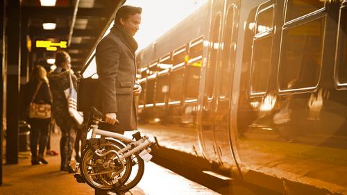 Viaggiare in treno, con la bici
