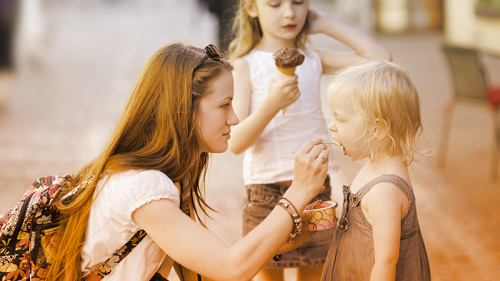 """""""Cerco babysitter"""": come e dove trovare la tata online"""