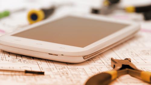 Riparare lo smartphone in modalità fai da te