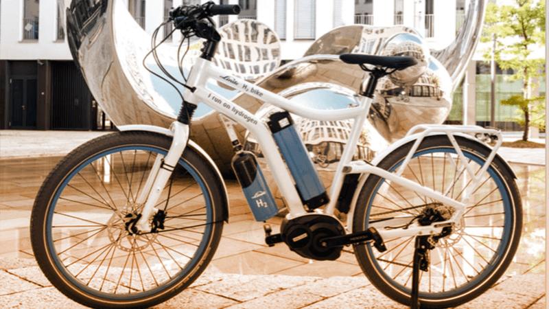 H2 e-bike, la prima bici elettrica che funziona senza elettricità: è alimentata a idrogeno.  (linde.com)