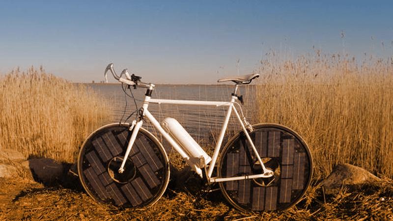 Solarbike, l'e-bike che incorpora la ricarica fotovoltaica.  (pinterest.com)