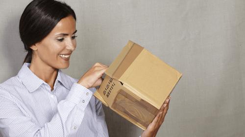 Compra online, ritira il pacco al bar