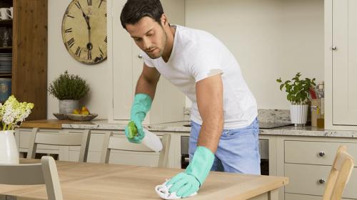 10 consigli per risparmiare sulle pulizie di casa