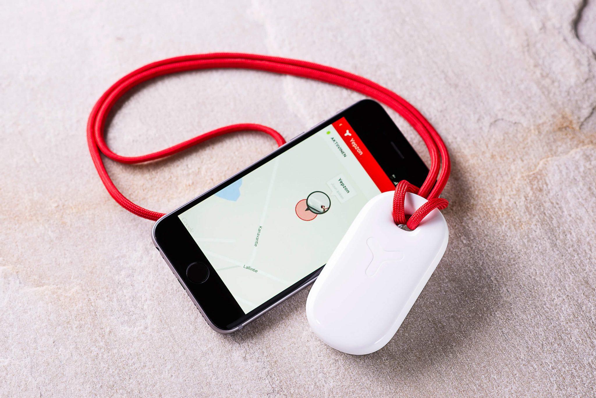 Yepzon è il ciondolo che monitora a distanza oggetti  ma anche persone.