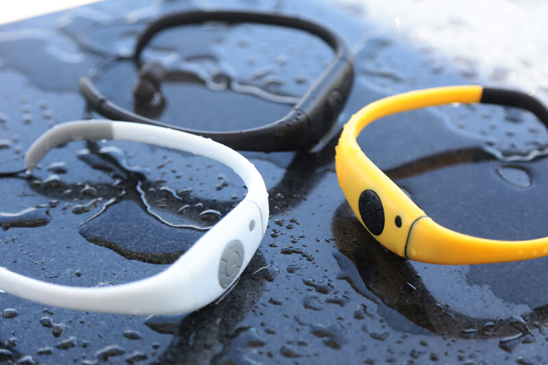 Nuotate a ritmo con il lettore MP3 dotato di archetto auricolare Tayogo.