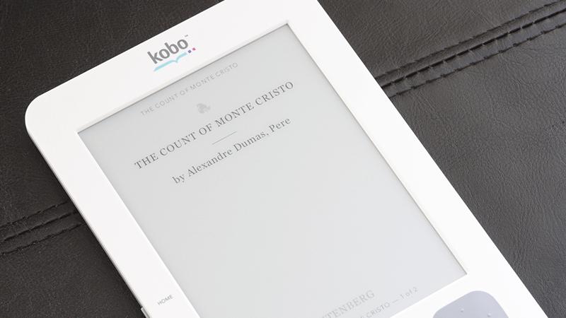 Kobo Glo HD si legge comodamente al buio e la luce è regolabile.