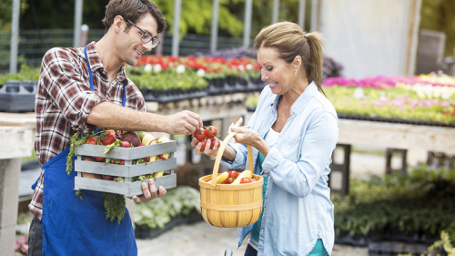Frutta e verdura di stagione a km zero: ecco come risparmiare
