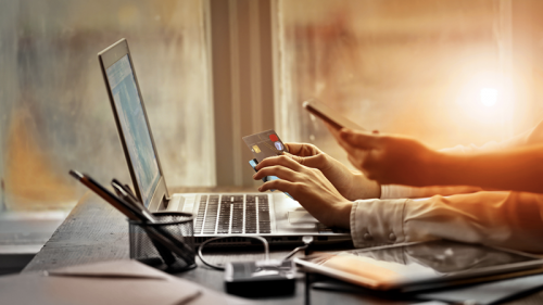 FinTech, le banche puntano su pagamenti p2p e contratti a distanza