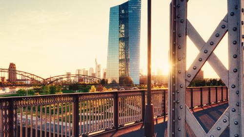 BCE, tassi fermi ma cambio di programma