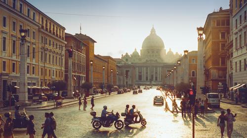 Fitch non taglia rating all'Italia, ma lancia un avvertimento
