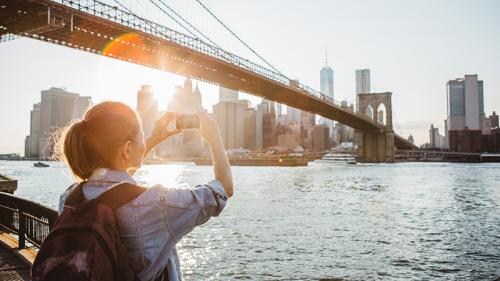 All'estero con lo smartphone: come evitare salassi in bolletta