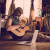 Musica, le migliori piattaforme per imparare a suonare uno strumento