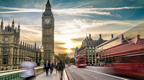Brexit, tassi e dazi: aprile è il mese dei rinvii