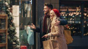 Natale, risparmiare sui regali giocando d'anticipo