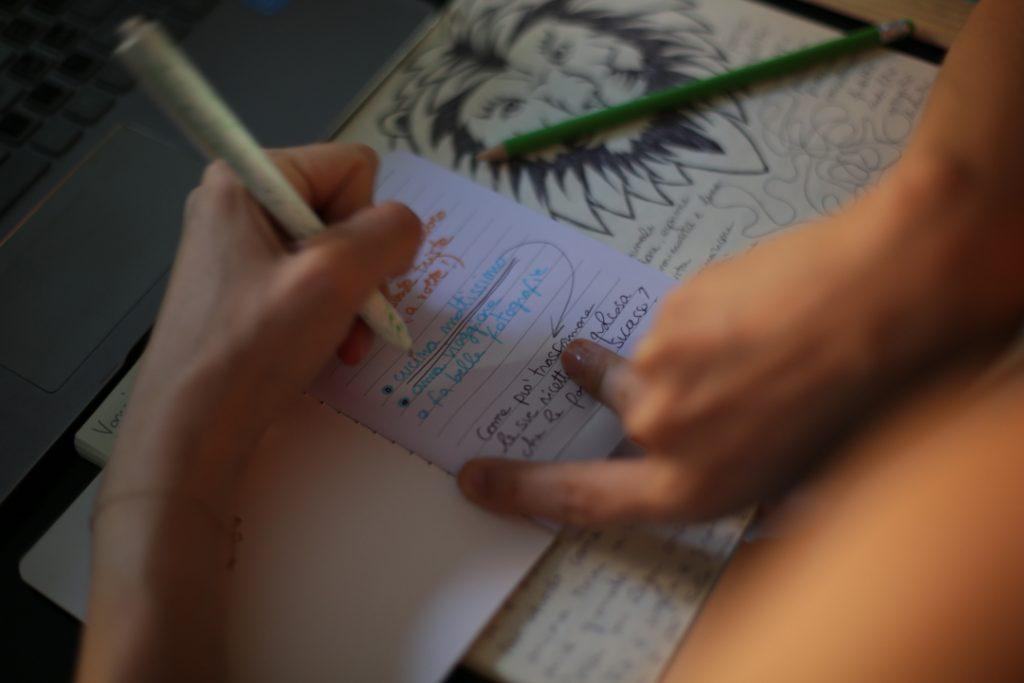 Scrivere-per-curarsi-la-lezione-di-Miriam-Previati